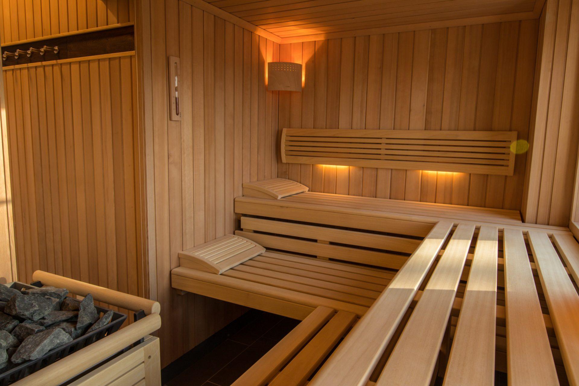 große Gruppen-Sauna