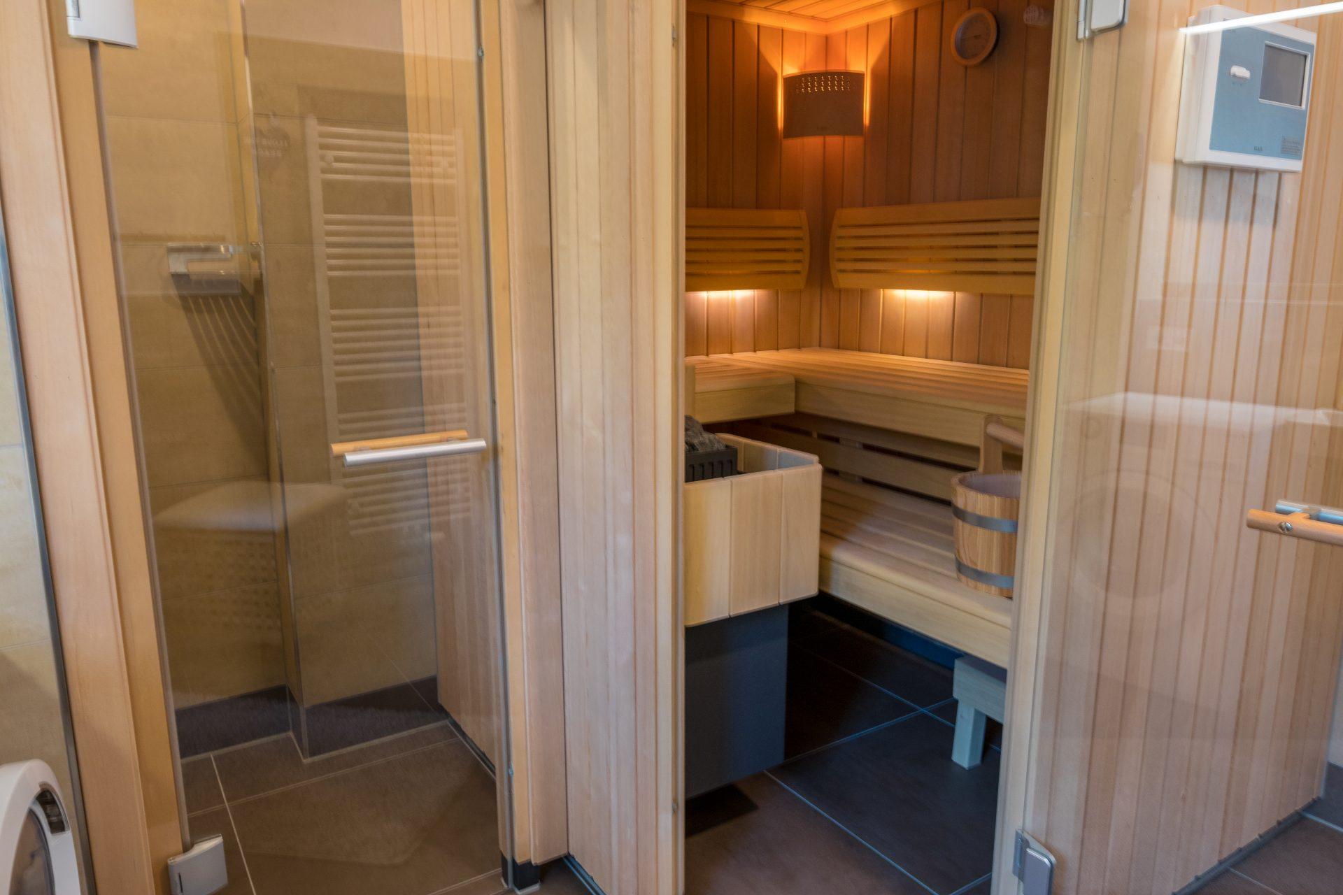Sauna im Bad der Erdgeschosswohnungen
