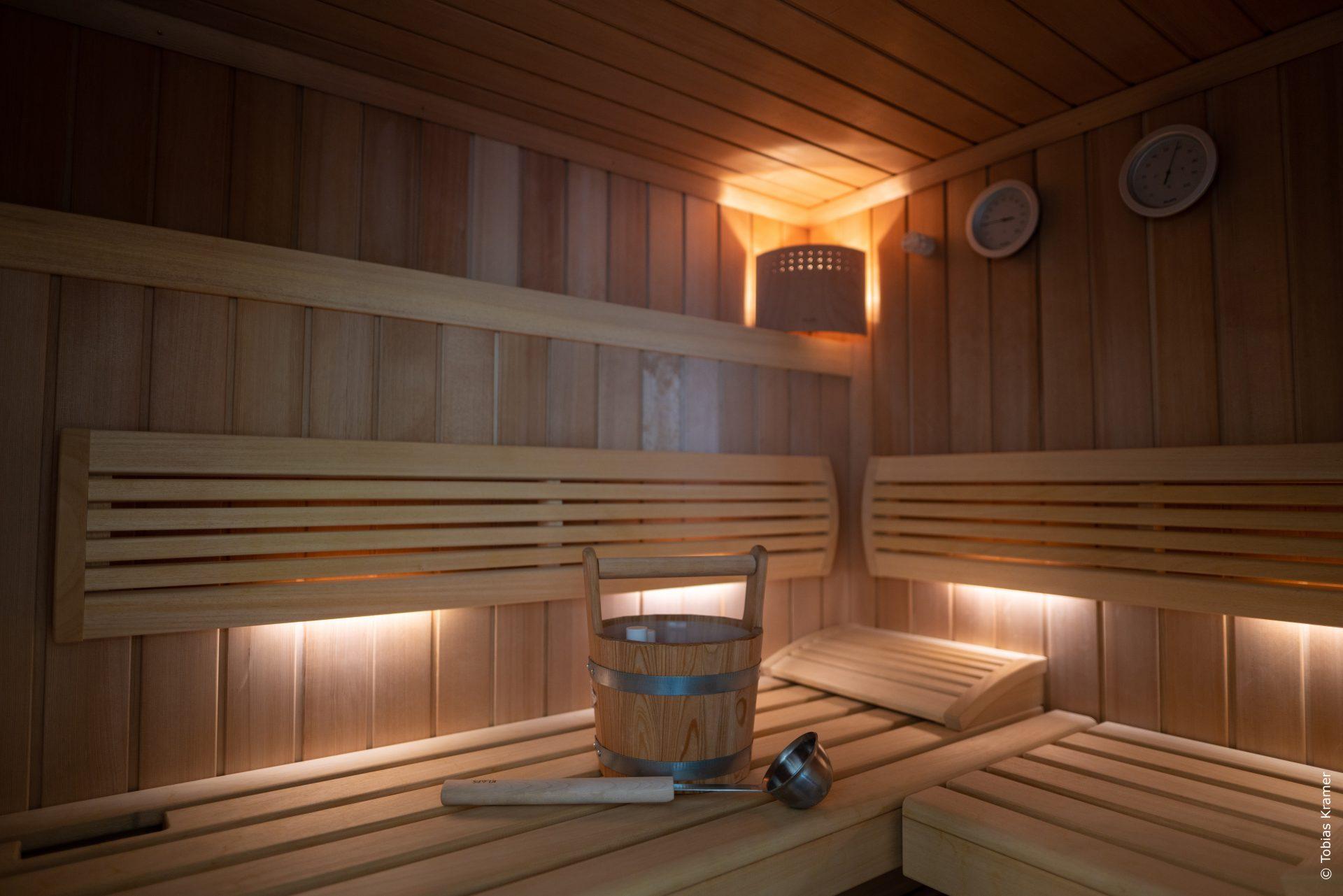 geräumige Sauna