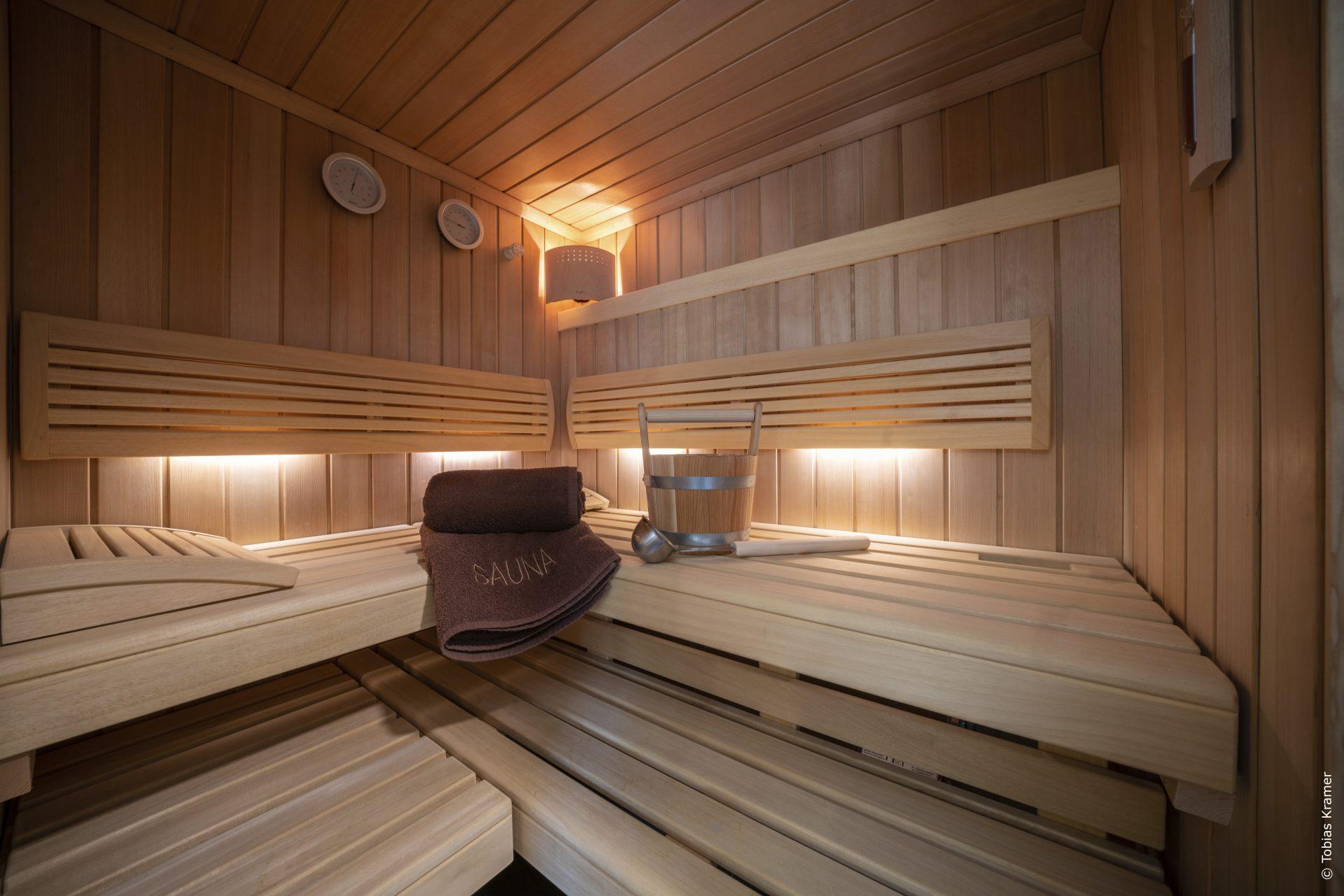 Bad mit Sauna und Dusche